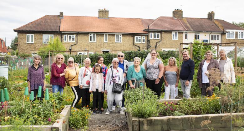 Photo of the winners of Phoenix in Bloom 2018 in Farmstead Community Garden